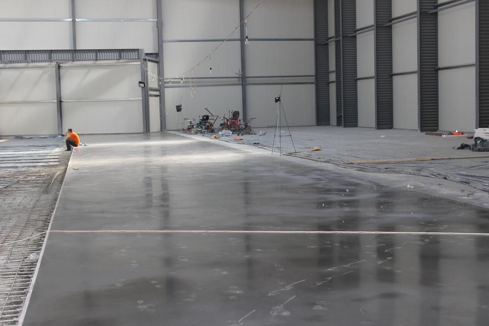 Наливные промышленные полы ветонит пол наливной высокопрочный